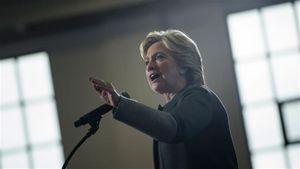 Đắc cử Tổng thống, bà Clinton sẽ nhấn nút hạt nhân?
