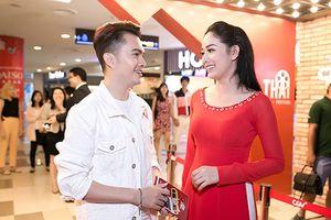 'Bỏ bê' vợ mang bầu, Nam Cường đi sự kiện cùng người đẹp khác
