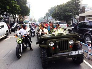 Độc đáo dàn mô tô 3 bánh trong lễ đón dâu tại Sài Gòn