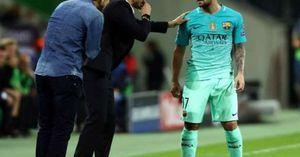 CĐV Valencia sẽ không buông tha Paco Alcacer