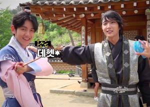 Lee Joon Ki khen ngợi và cho Baekhyun nhóm EXO những lời khuyên trong quá trình quay Moon Lovers.