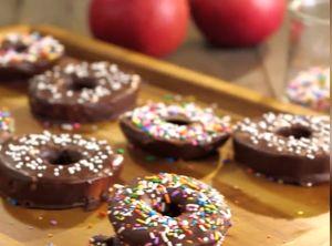 Hướng dẫn làm bánh donut táo