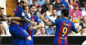 Clip Valencia 2-3 Barca: Chiếm lĩnh ngôi đầu nhờ Lionel Messi
