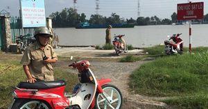 Thi thể nam giới tóc vàng trôi trên sông Sài Gòn