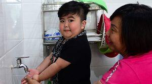 Thần đồng Tin Tin được chú ý trên mạng xã hội Thái Lan