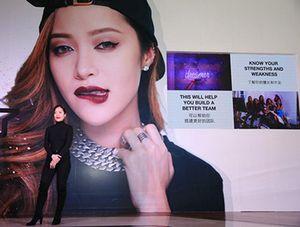 'Phù thủy trang điểm' Michelle Phan tiếp tục 'làm mưa làm gió' trên Youku