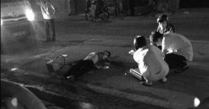 HN: Một bảo vệ bị đâm gục trên đường Thụy Khuê