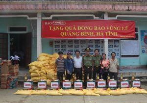 Báo Công an TP Đà Nẵng tiếp tục hành trình cùng người dân vùng lũ (2)