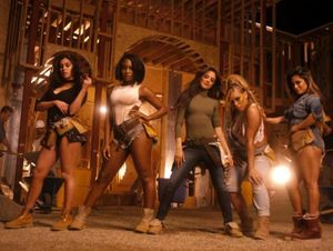 Camila Cabello khoe giọng trong hit 'Work From Home'
