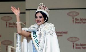 Ngắm trọn nhan sắc cô giáo mầm non đăng quang Hoa hậu Quốc tế 2016