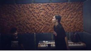 Đông Nhi hé lộ ca khúc mới sẽ song ca cùng Nhật Minh The Voice Kids