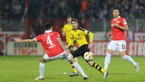 Dortmund chật vật vượt qua Union Berlin trên chấm Penalty