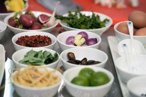 Sử dụng nguyên liệu 'độc' là điểm mạnh của đầu bếp Việt