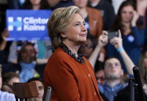 Bầu cử Mỹ 2016: Bà Clinton tiếp tục chiếm ưu thế
