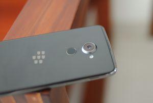 Ảnh thực tế BlackBerry DTEK60 sắp về Việt Nam