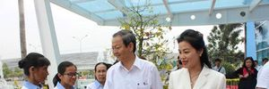 Lãnh đạo TPHCM thăm, chúc Tết công nhân xử lý rác