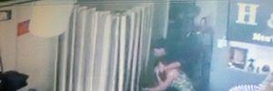 Cướp giữa ban ngày tại cửa hàng thời trang ở Sài Gòn