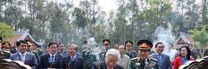 Tổng Bí thư Nguyễn Phú Trọng trồng cây nhớ ơn Bác Hồ tại Khu di tích K9, Ba Vì