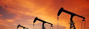 Giá dầu Mỹ lại xuyên mốc 27 USD/thùng
