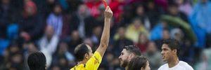 Chơi tệ, Raphael Varane trách móc trọng tài