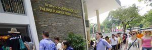 Hàng ngàn du khách tham quan Dinh Độc Lập ngày 30-4