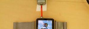 Choáng với chiếc Apple Watch chạy... Windows 95
