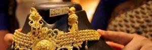 Giá vàng châu Á ngày 4/5 rời xa mức 'đỉnh' của 15 tháng