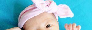 Hoa hậu Trương Tử Lâm lần đầu khoe con gái mới sinh