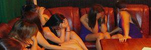 Bắt quả tang 9 đôi nam nữ đang mua bán dâm tại Thái Bình