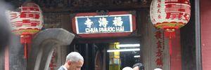 Tổng thống Obama chiêm ngưỡng chùa cổ, trò chuyện với doanh nhân TP HCM