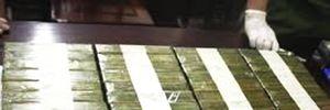 Hai đối tượng giấu 50 bánh heroin trong khách sạn