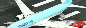 Máy bay Hàn Quốc bốc cháy trước giờ cất cánh