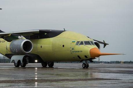 Trung Quoc mua may bay van tai moi An-178 Ukraina vua bay thu lan dau tien - Anh 8