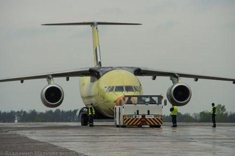 Trung Quoc mua may bay van tai moi An-178 Ukraina vua bay thu lan dau tien - Anh 9