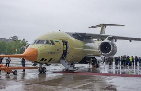 Trung Quoc mua may bay van tai moi An-178 Ukraina vua bay thu lan dau tien - Anh 3
