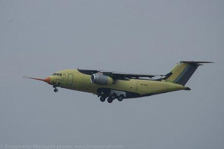 Trung Quoc mua may bay van tai moi An-178 Ukraina vua bay thu lan dau tien - Anh 4