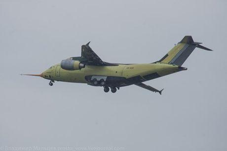 Trung Quoc mua may bay van tai moi An-178 Ukraina vua bay thu lan dau tien - Anh 5