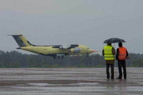 Trung Quoc mua may bay van tai moi An-178 Ukraina vua bay thu lan dau tien - Anh 6
