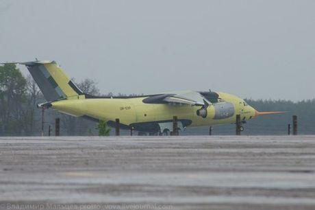 Trung Quoc mua may bay van tai moi An-178 Ukraina vua bay thu lan dau tien - Anh 7