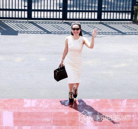 Nữ hoàng Doanh nhân Ngô Thị Kim Chi dep thanh lich di lam giam khao cuoc thi 'Net Dep Su Pham 2015' - Anh 1
