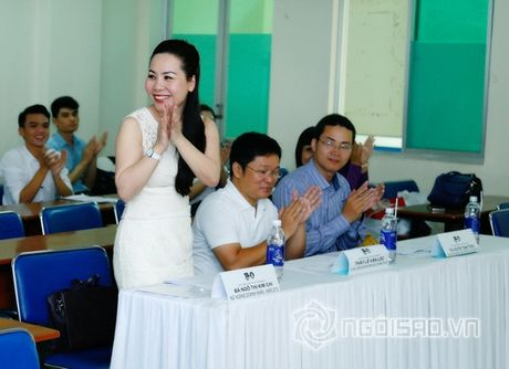 Nữ hoàng Doanh nhân Ngô Thị Kim Chi dep thanh lich di lam giam khao cuoc thi 'Net Dep Su Pham 2015' - Anh 7