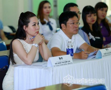 Nữ hoàng Doanh nhân Ngô Thị Kim Chi dep thanh lich di lam giam khao cuoc thi 'Net Dep Su Pham 2015' - Anh 9