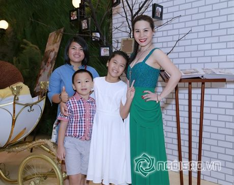 Nữ hoàng Doanh nhân Ngô Thị Kim Chi hoi ngo cung dan sao Viet tai su kien - Anh 12