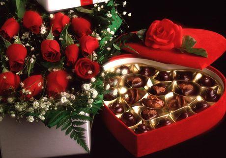 Chon qua tang Valentine 'don tim' ban gai moi quen - Anh 1