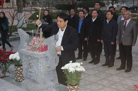 Ban Bí thư T.Ư Đoàn dâng hương khu di tích Ngã ba Đồng Lộc