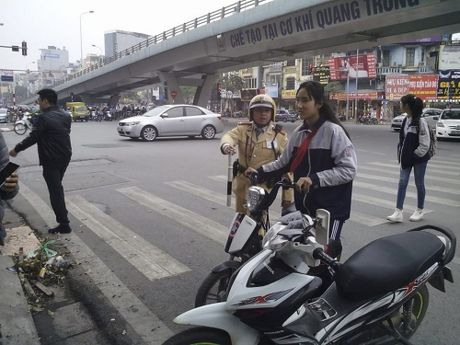 So GD&DT Ha Noi: Buoc thoi hoc 1 tuan neu hoc sinh tai dien vi pham giao thong - Anh 1