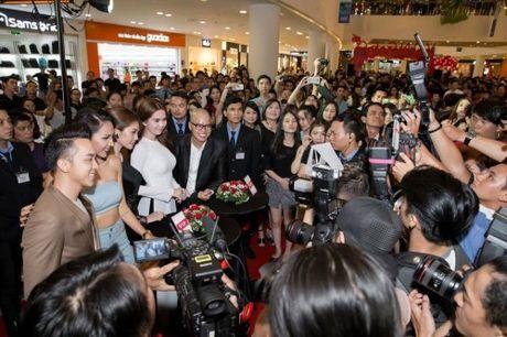 Ngoc Trinh noi doa vi 'Vong eo 56' bi goi la phim cave ke chuyen - Anh 5