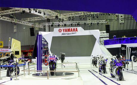 Yamaha tu tin dan dau phan khuc xe con tay 150 phan khoi - Anh 2