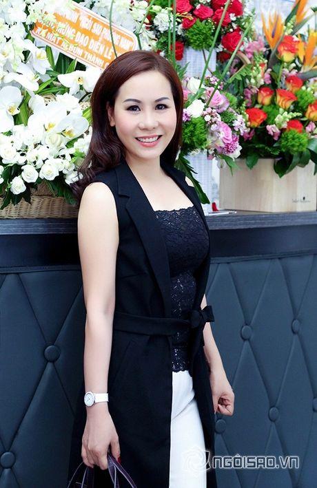 Nữ hoàng Doanh nhân Ngô Thị Kim Chi thanh lich du ra mat album tuong nho nhac si Thanh Tung - Anh 2
