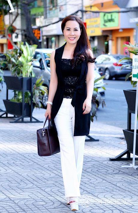 Nữ hoàng Doanh nhân Ngô Thị Kim Chi thanh lich du ra mat album tuong nho nhac si Thanh Tung - Anh 6